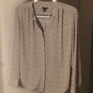 Long Sleeve Woven Button Up Top w/ Speckle Print